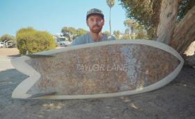 Тази сърф дъска е направена от 10 000 фаса. Видео
