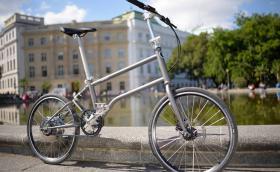 Българин с награда Red Dot за дизайна на електрическо колело, което се зарежда от само себе си