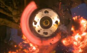 Вижте как се взривява спирачен диск, видеото не е лошо
