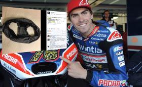 Лорис Баз прави невероятно спасяване в MotoGP. Поства си гащите във Facebook за да разсее съмненията