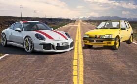 Porsche 911 R срещу... Peugeot 205 Rallye. Крис Харис е откачен? Видео