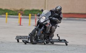 Skidbike KTM 1190, моторът, с който не може да катастрофирате. Или поне на теория. Галерия и видео