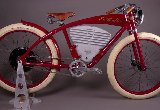 Базираните в Калифорния Vintage Electric досега имат два модела. 'Tracker' (на снимката) и 'Cruz'