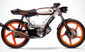 1977 Honda PA50lll e супер як мотопед, чийто 50-кубиков двигател работи... в обратна посока. Галерия и инфо