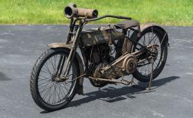 Този 102-годишен Harley-Davidson Model 11F е струвал 275 долара. Сега се продава за повече