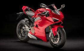 Ducati Panigale V4 е новата топ пистарка на италианците. Мощна е 214 коня. Галерия и видео