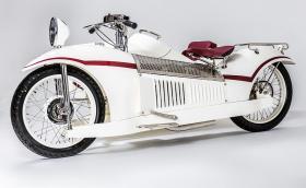 Величественият 1930 Majestic: мотоциклет с монокок конструкция, възстановен по снимки