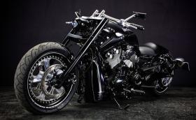 Violator Chopper е брутaлен Harley V-Rod от Bad Land
