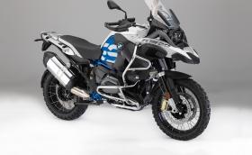 BMW слага дисплей и SOS бутон на най-продавания си мотор. Освежава всички останали