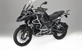 BMW R 1200 GS xDrive Hybrid. Моторът е с двойно предаване, 170 коня и е тестван и на Северния полюс