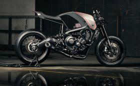 'Æon' e хипер радикална Yamaha XSR900 от Diamond Atelier. Вместо фар има вграден... часовник
