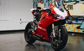 Ducati Panigale R е прекрасен мотор, а това е прекрасна галерия