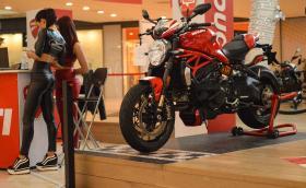 Moto Expo 2017: Най-якият щанд е на Yamaha, най-яките момичета са при Moto Guzzi и Ducati. Нашите впечатления и обилна галерия