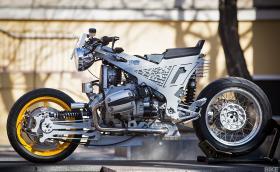 Watkins M001 е супер изчанчен мотор, базиран е на BMW R 1150 RT