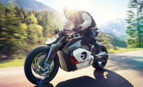 BMW Motorrad Vision DC Roadster е електрически мотоциклет. Дизайнът му имитира… боксерен двигател