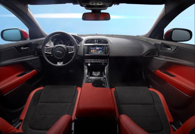 Jaguar ще обучава непълнолетни шофьори