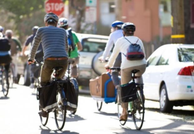 Италиански град ще плаща на жителите си да ходят на работа с велосипед