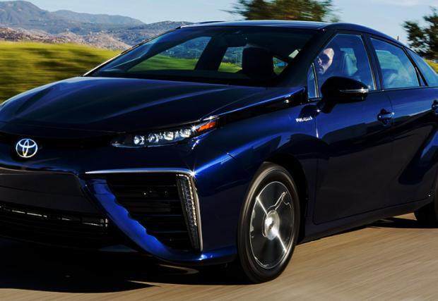 Toyota пуска задвижваният с вода Mirai