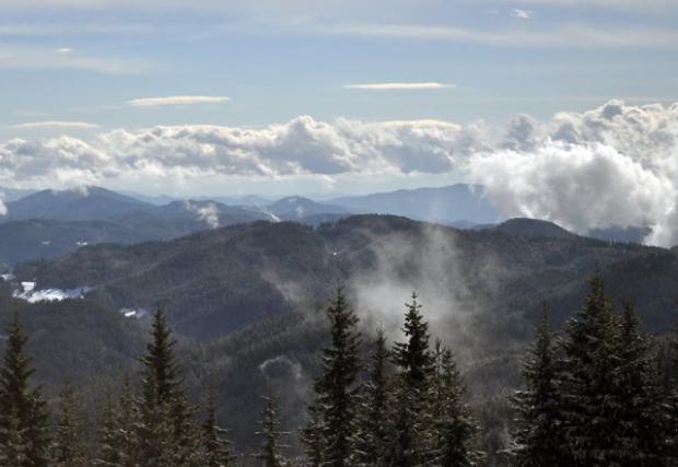 Липсата на сняг бави откриването на ски сезона в Пампорово и Чепеларе