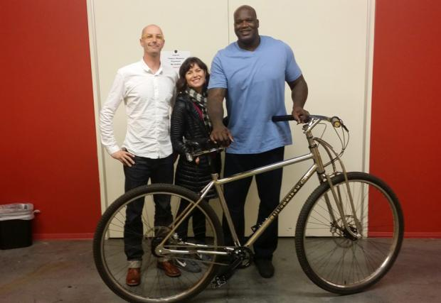 Шакил ОНийл с уникален велосипед