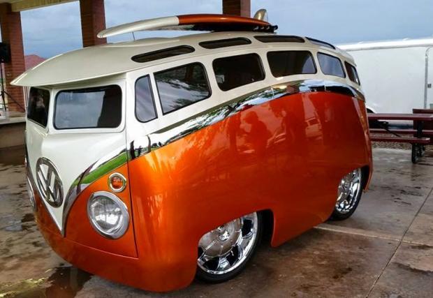 The Surf Seeker. VW Type 2, като от анимация. Страшно готин