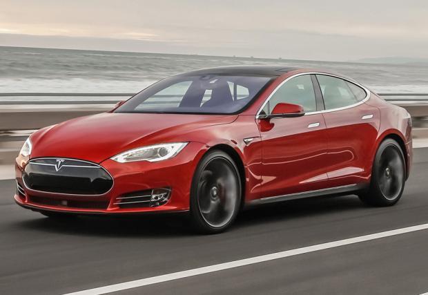 Tesla скоро ще обикаля сама по пътищата