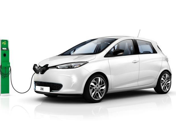 Франция ще дава до 10 000 евро на всеки шофьор, сменил дизеловия си автомобил с електрически