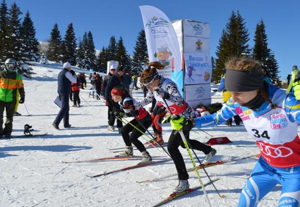 Стотици деца се забавляваха и спортуваха в Деня на снега на Витоша