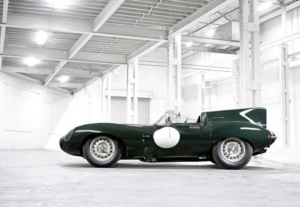 Jag D-type. Една от най-готините състезателни коли