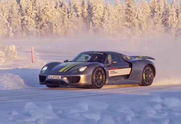 """""""887 коня на сняг и лед. Забавно е"""". Това казва Нико Хюлкемберг (Видео)"""