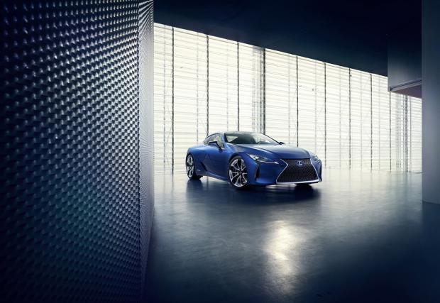 Бъдещето на хибридите е тук: Lexus LC 500h с нова задвижваща техника