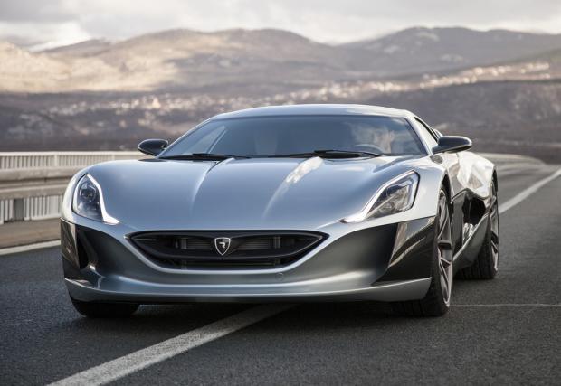 0-300 за 14,2 сек. Електрическият Rimac Concept One идва в Женева. Интериорът е български
