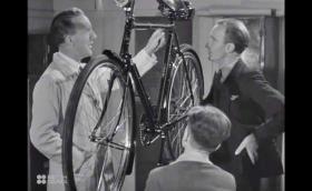 Как са се произвеждали велосипедите през 1945? Видео