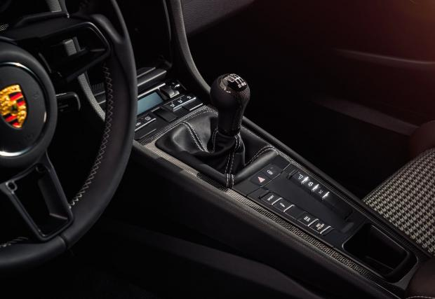 Фенове на Porsche, започнете да плачете. Това е последното истинско 991. Това е 911 R (Пълна галерия + видео)
