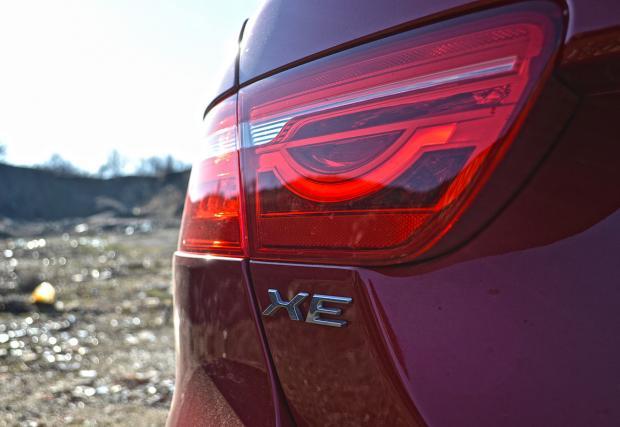 Тест на Jaguar XE S 3.0 V6. XE_ptional? До голяма степен, да (+ Мега галерия)