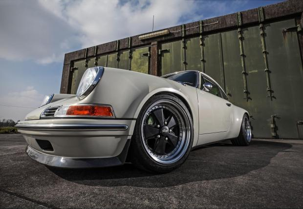 Почти като Singer. Kaege RETRO Porsche 911 от 72-ра
