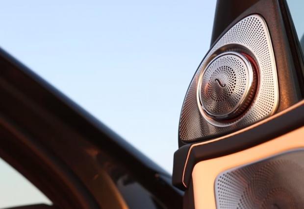 Всичко, което се движи в новия Merc S-Class 63 AMG (Видео)