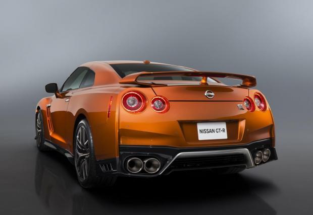 """Дами и господа, това е новият Nissan GT-R! Стабилна галерия плюс три клипа на новородената """"Годзила"""""""