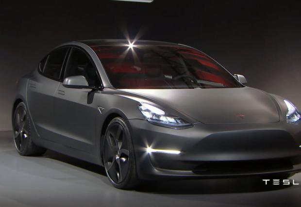Tesla Model 3 е вече факт!