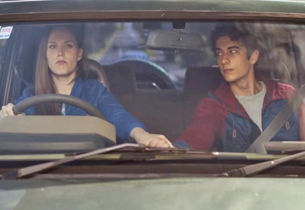 Нова Зеландия намери решение на проблема с телефона и шофирането... Видео