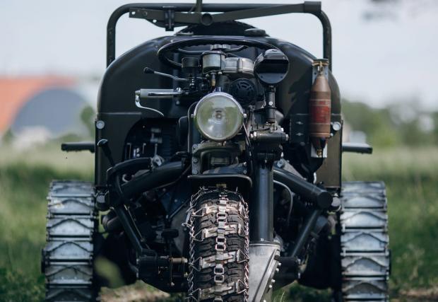 Autoveicolo Da Montagna, Orgia di ingranaggi - това е най-бруталният трайк. Дело на Moto Guzzi и датира от 60-те