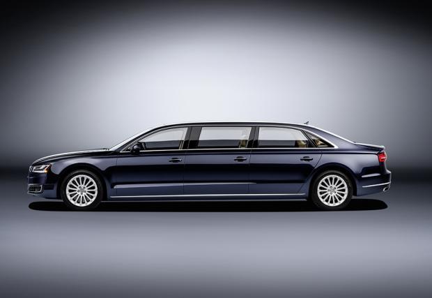Дами и господа, Audi направи най-голямата си кола. Дълга версия на дългата версия. A8 L extended, с нейните 6,36 метра