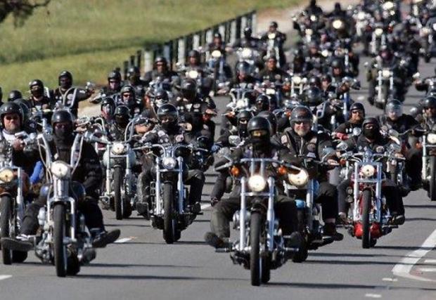 Днес мотористите излизат на протест пред Народното събрание. Причината? Задължителната ГО