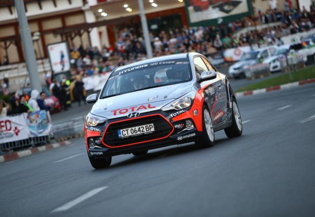 Екипажът Жеков/Шопов спечели първия кръг на Hyundai Racing Trophy