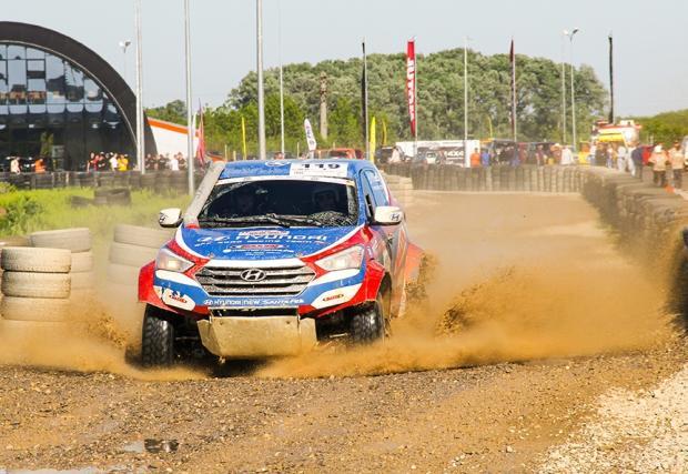 Успешен старт за Hyundai Santa Fe T1 в Баха 500