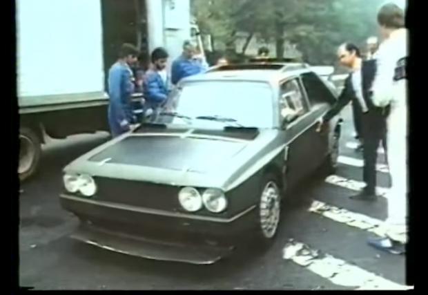 Lancia Delta S4. Една от най-бруталните коли. Точка. Видео