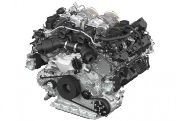 Това е чисто новият 4-литров туин турбо V8 на Porsche. Старият 4,8-литров агрегат отива в историята