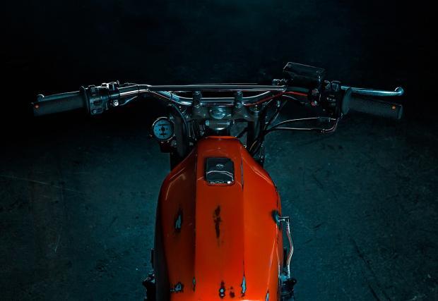 Като от Lego, направен заради сноубординга. Titan Motorcycles Kawasaki Z500