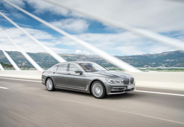 4 турбини за новия супер дизел на BMW. Машината ще се вгражда в 750d xDrive и генерира 400 коня