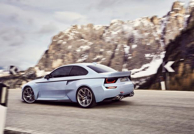 Готин баварец, с поглед към миналото. BMW 2002 Hommage Concept